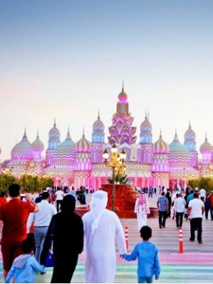 Global village and Miracle Garden tour in Dubai